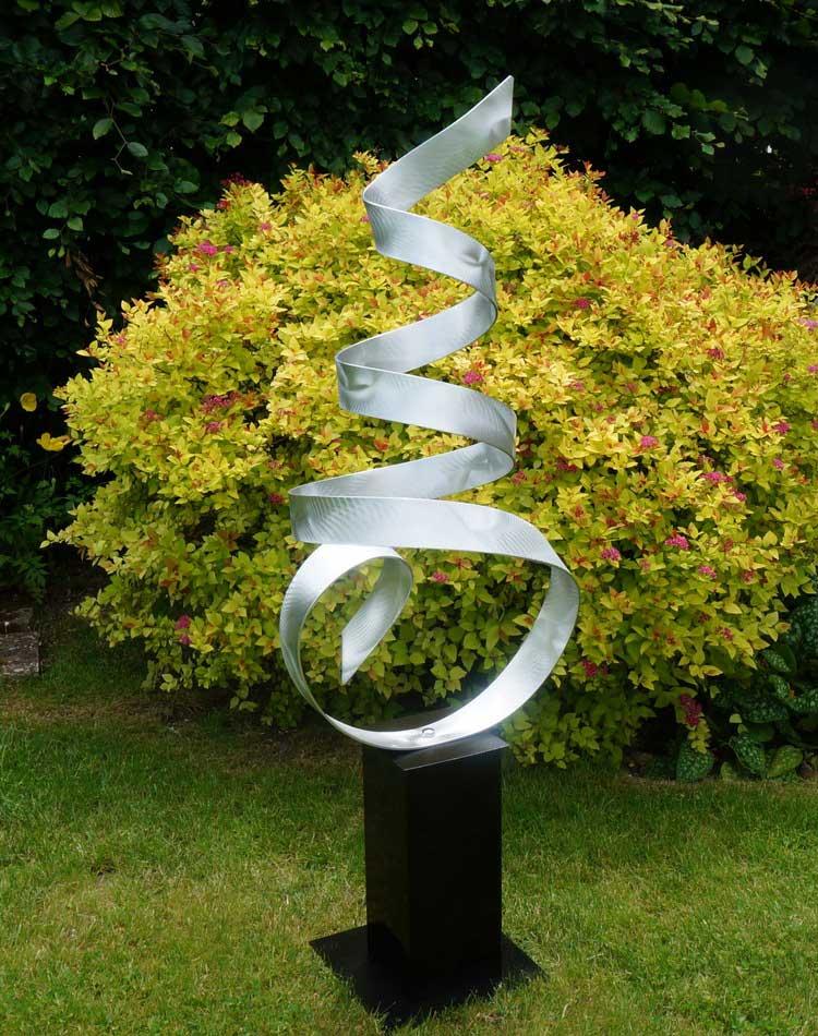 garden sculpture. A Contemporary Metal Sculpture - Front Back Garden R